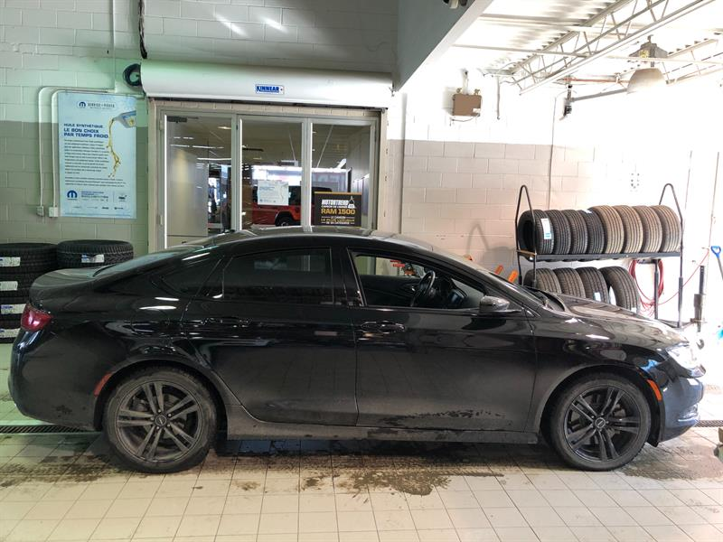 Chrysler 200 2015 4dr Sdn S+V6+CUIR+TOIT+GPS+MAGS #UD5126