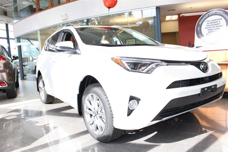 2018 Toyota RAV4 AWD Limited #12111