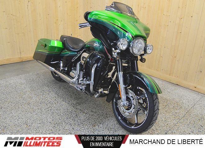 Harley Davidson FLHXSE CVO 2011