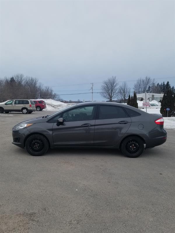 Ford Fiesta 2015 4dr Sdn SE