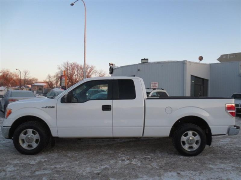 2010 Ford F-150 XLT EXT CAB - **LOW KMS** #3980
