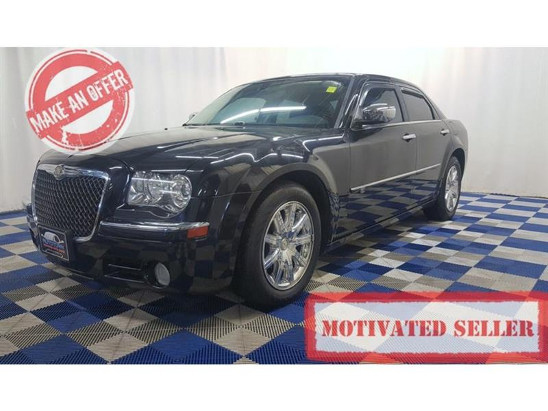 2010 Chrysler 300c Hemi ACCIDENT FREE/LEATHER/SUNROOF/HTD SEATS #10C332814