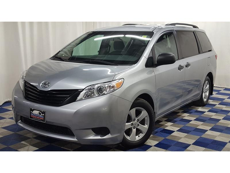 2015 Toyota Sienna FRESH TRADE!! ALBERTA/MANITOBA VEHICLE!! #18MR02541A