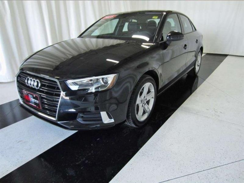 2018 Audi A3 Sedan A3 2.0T Komfort *Quattro/Leather/Sunroof* #18AA19567