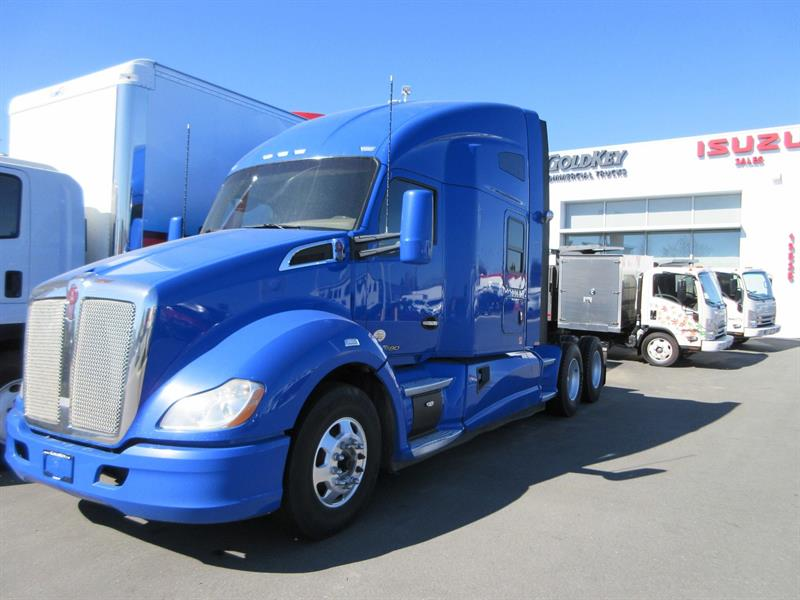 2015 Kenworth T680  Highway Tractor/ 76 Sleeper