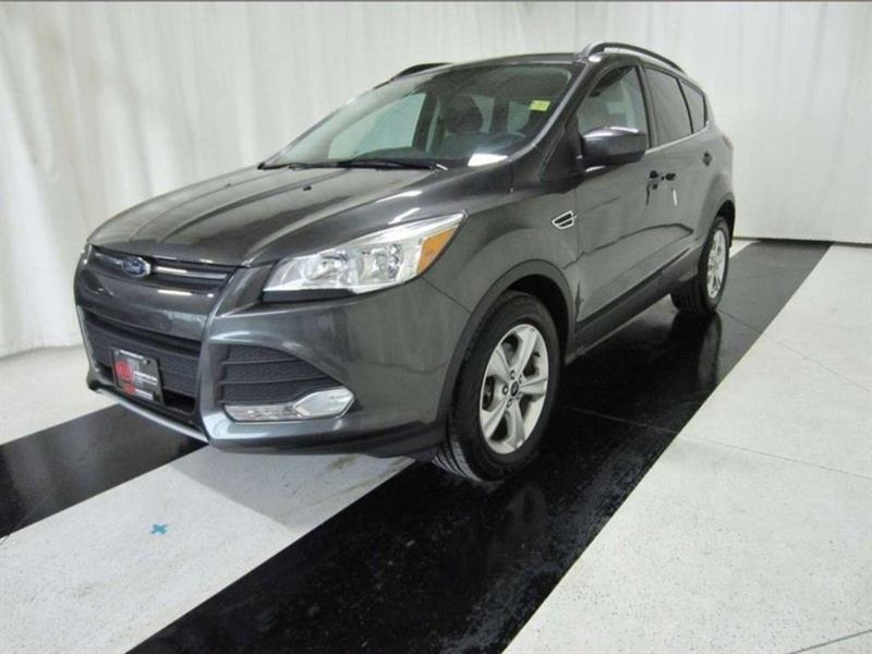 2016 Ford Escape SE *Winter Tires/Bluetooth/Backup Camera!* #16FE23603