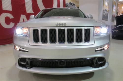 jeep grand cherokee srt8 6 4l 470hp 2012 occasion vendre saint eustache chez le roi du camion. Black Bedroom Furniture Sets. Home Design Ideas