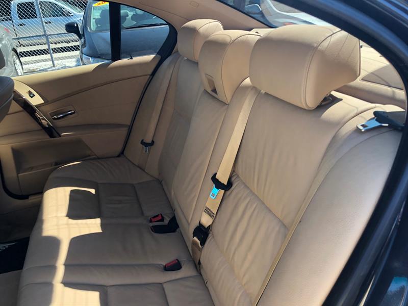BMW 5 Series Sedan 9