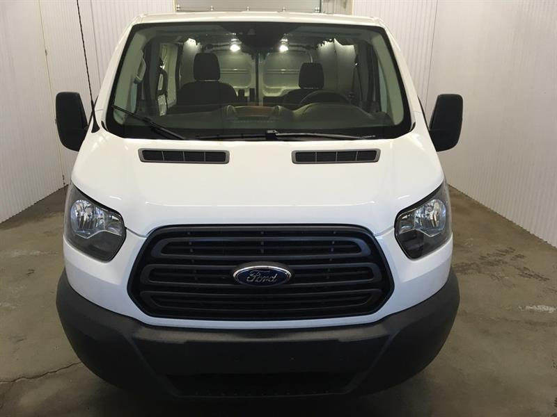 Ford Transit Van 2018 T-250 w/Sliding Pass-Side Cargo Door #*18TRA2275