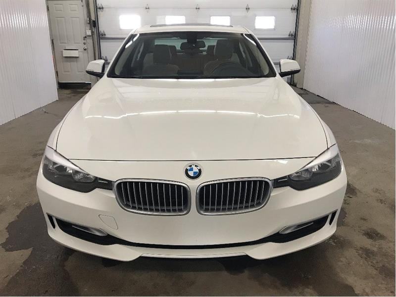 2014 BMW 3 Series 320i xDrive Modern Line Cuir Toit Ouvrant MAGS #14BMW2415