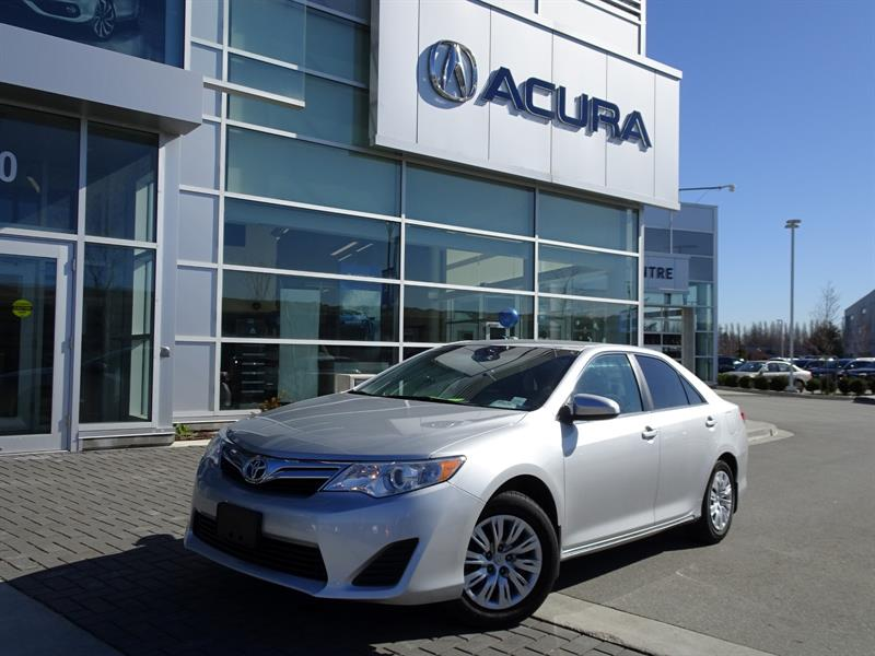 2014 Toyota Camry LE|Local Car|Warranty 6months/6000km #937398B