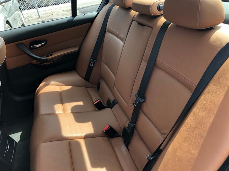 BMW 3 Series Sedan 8