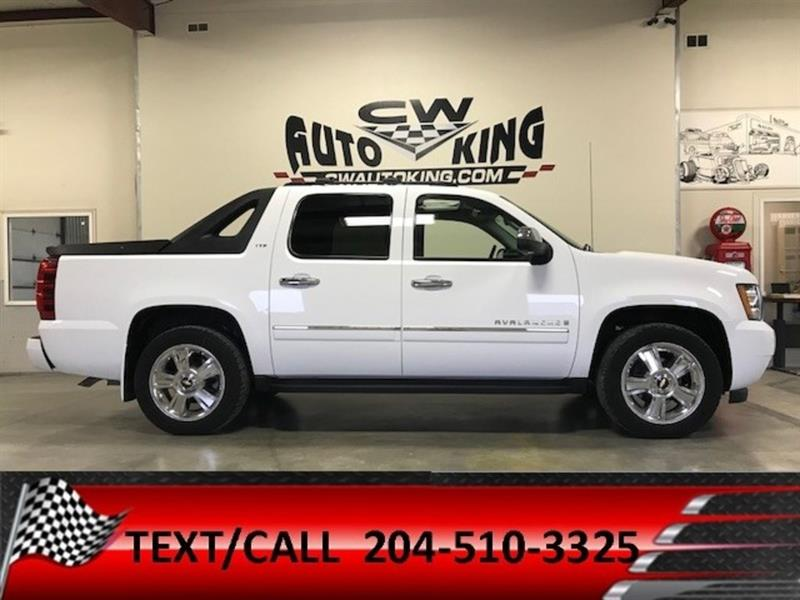 2009 Chevrolet Avalanche 1500 LTZ / Low Kms / Fully Appointed with All Luxury #20042380