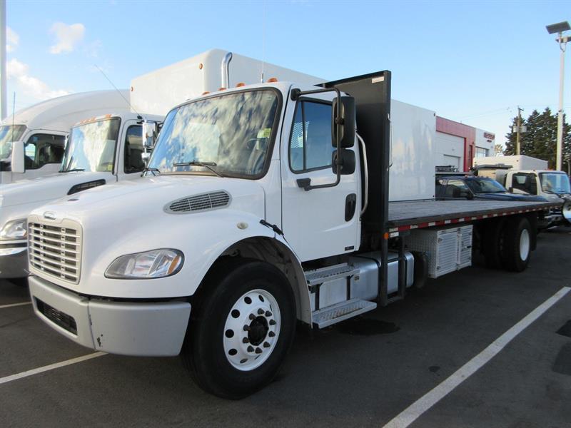 2013 Freightliner M2-106 26Ft Flatdeck #U7134