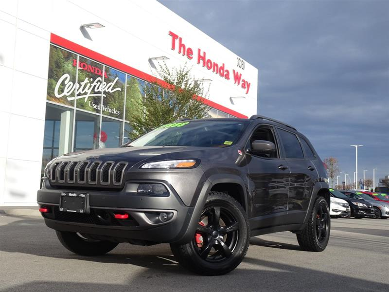 2015 Jeep Cherokee Trailhawk 4WD, LEATHER, NAVIGATION, HEATED SEATS! #P5349