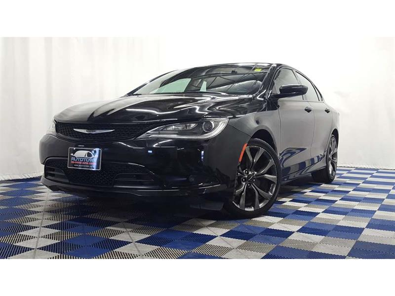 2015 Chrysler 200 S/NAV/HTD SEATS& STEERING/NO ACCIDENTS/PANO #16MC05743A