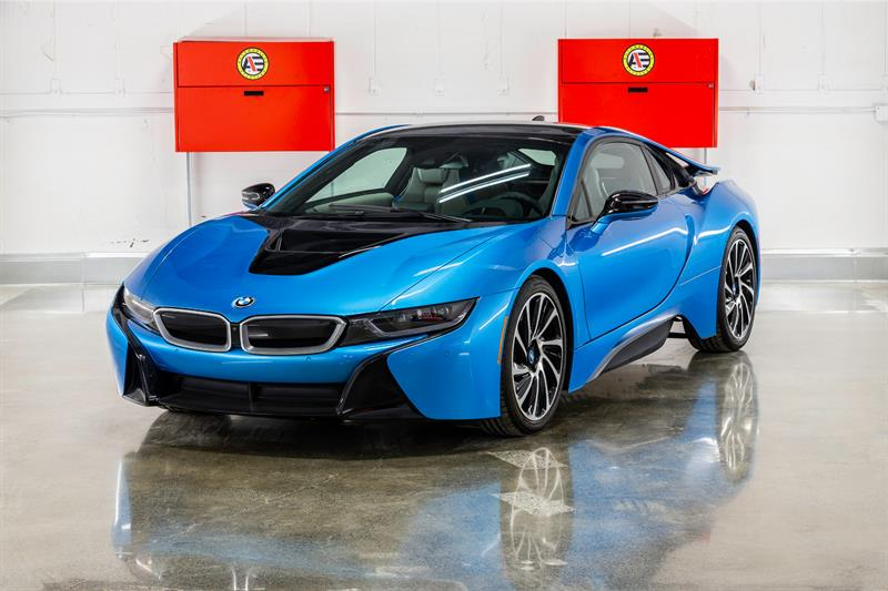 2014 BMW I 8 BRAND NEW !  205 KMS