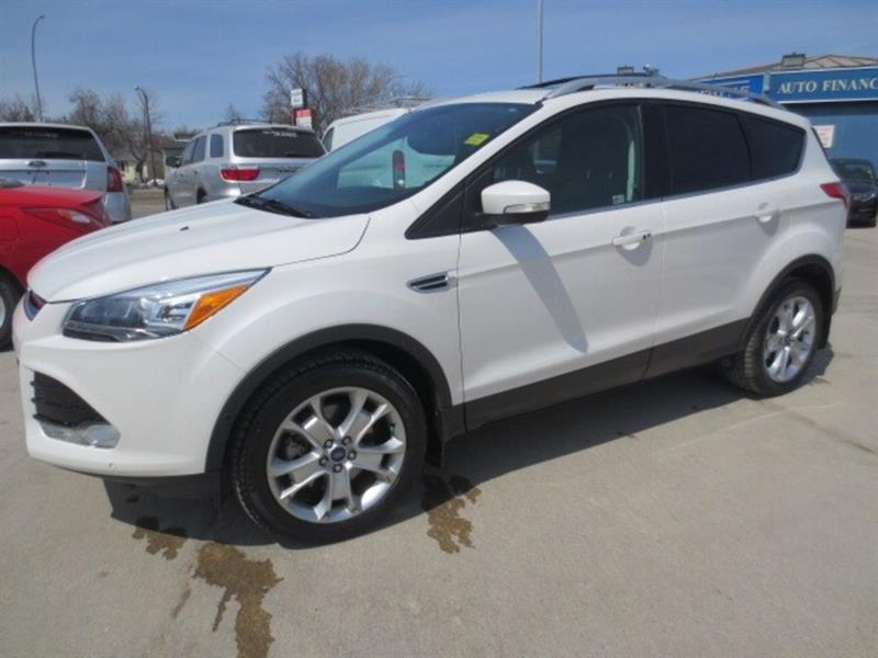 2016 Ford Escape Titanium 4WD 2.0 L- SUNROOF/NAV/LEATHER #3611