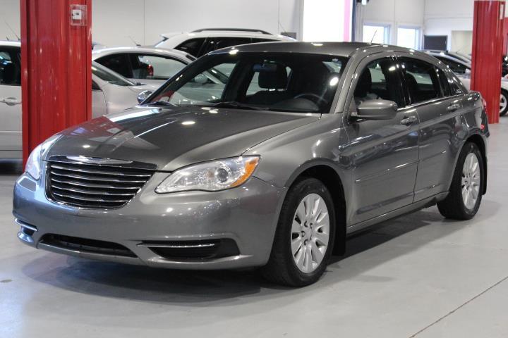 Chrysler 200 2012 LX 4D Sedan #0000000987