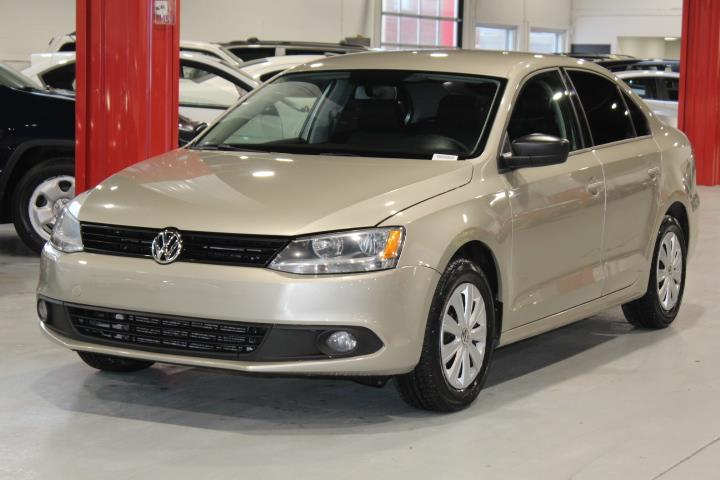 Volkswagen Jetta 2013 TRENDLINE 4D Sedan 2.0 5s #0000001354