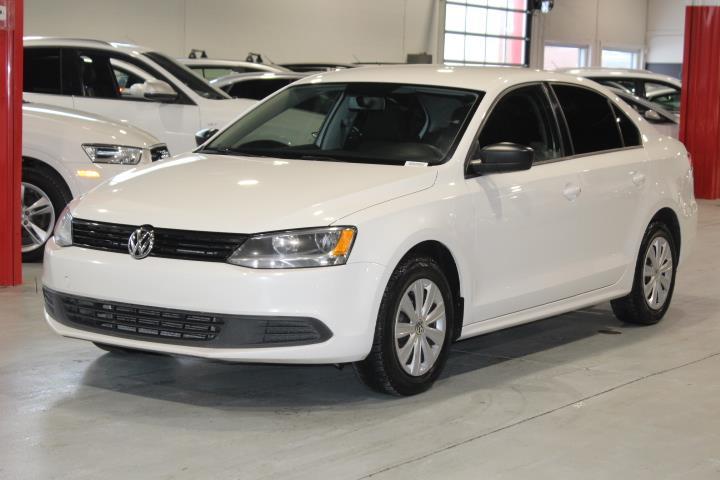 Volkswagen Jetta 2013 TRENDLINE 4D Sedan 2.0 5s #0000001536