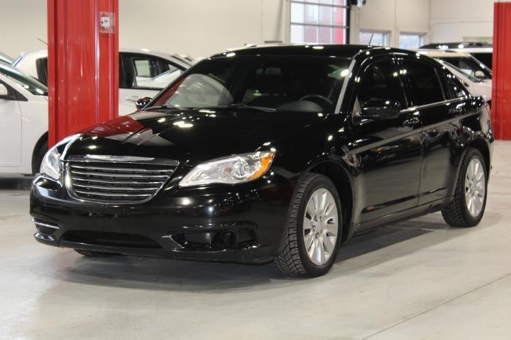 Chrysler 200 2014 LX 4D Sedan #0000001801