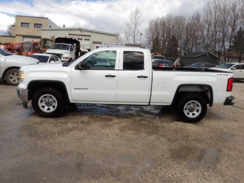 2015 GMC Sierra 1500 Double Cab 4x4 5.3 L local truck