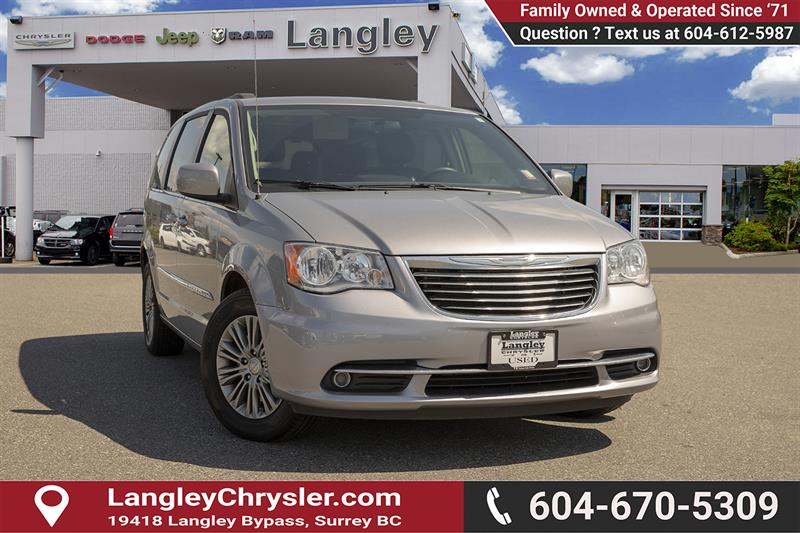 2015 Chrysler Town & Country Touring-L #EE902490