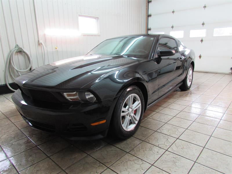 Ford Mustang 2012 2dr Cpe V6 #12-111