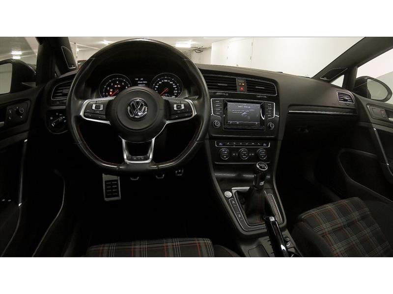 Volkswagen GTI 3-Door 3