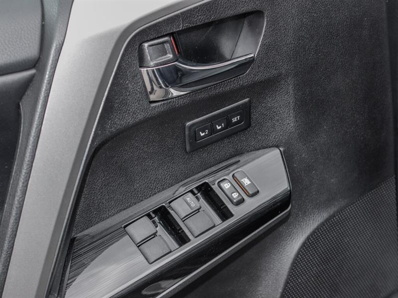 2018 Toyota RAV4 LTD LOW KMS Navi Sunroof Leather & MORE