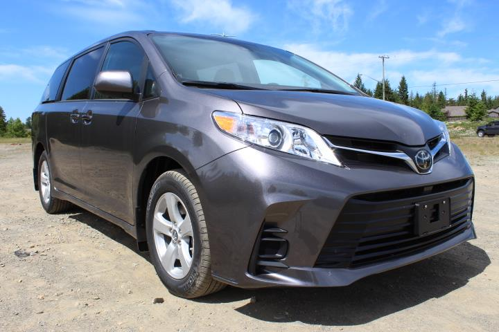 2019 Toyota Sienna LE 8-PASS  #12211