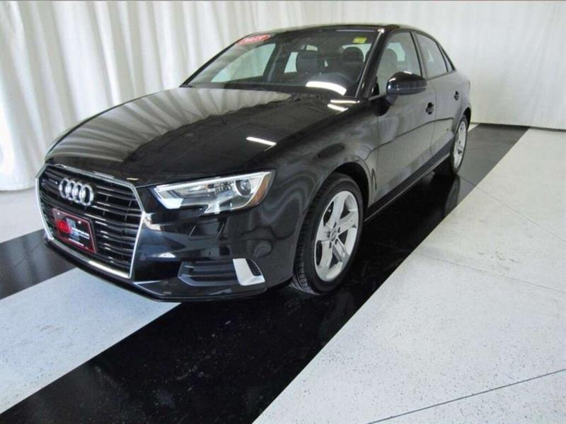 2018 Audi A3 A3 2.0T Komfort *Accident Free!* #18AA19567