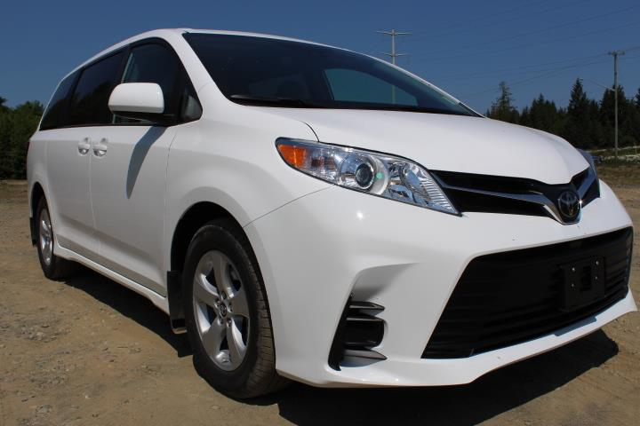 2019 Toyota Sienna LE 8-Passenger FWD #12476