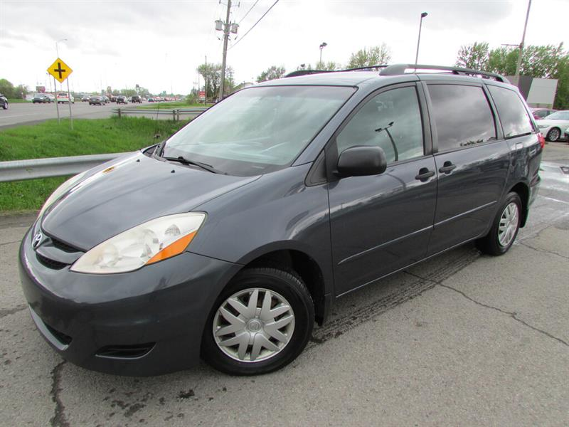 Toyota Sienna 2009 7 PASSAGERS A/C CRUISE !!! #4496