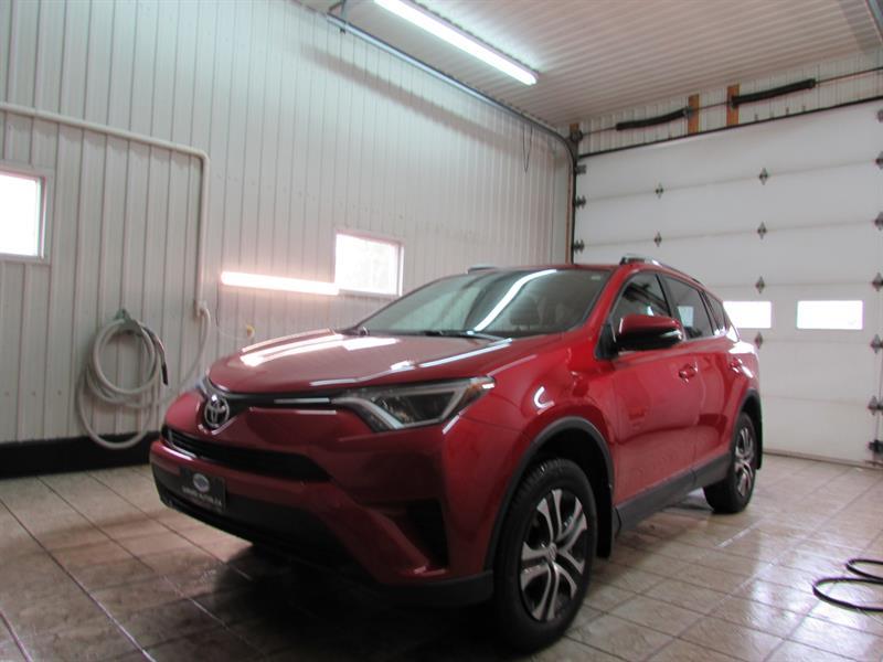 Toyota RAV4 2016 FWD 4dr LE #16-44