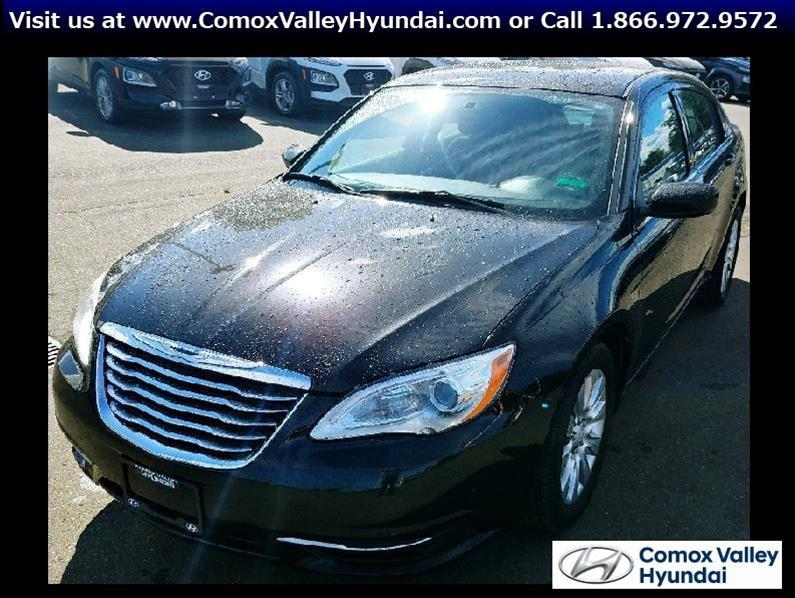 2013 Chrysler 200 Touring #PH1058A