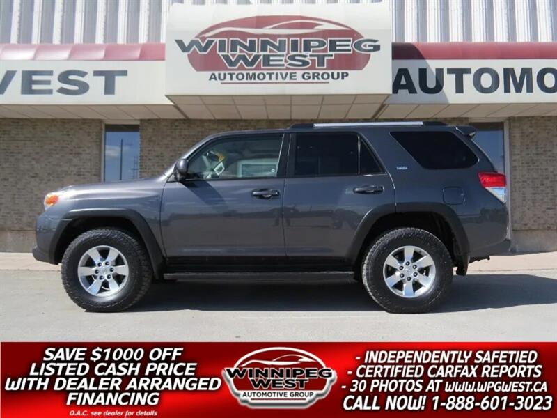 2013 Toyota 4Runner SPORT V6 4X4, 7 PASS, NAV, ROOF, LEATHER, LOCAL #GIW5099