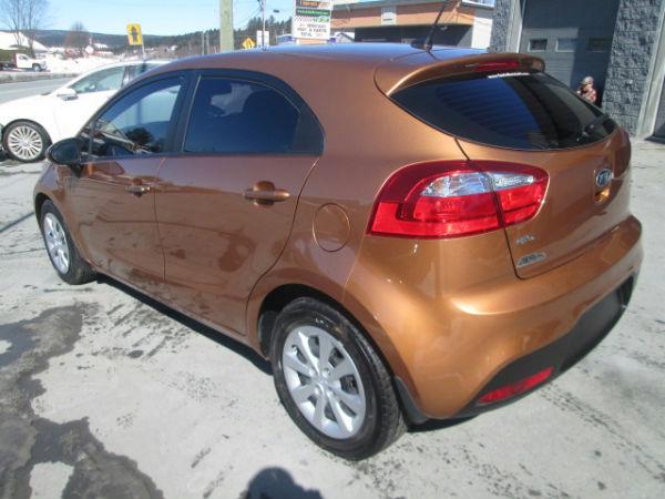 Kia rio lx auto gr lec acc l ger 2012 occasion vendre for Garage kia englos