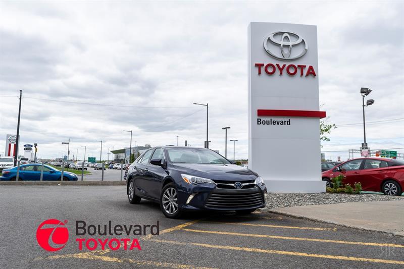 Toyota Camry Hybrid 2016 * XLE * #85888A