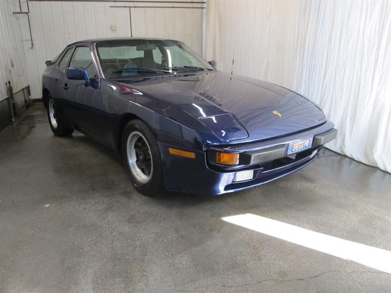 Porsche 944 1985 2dr Coupe #9-0614