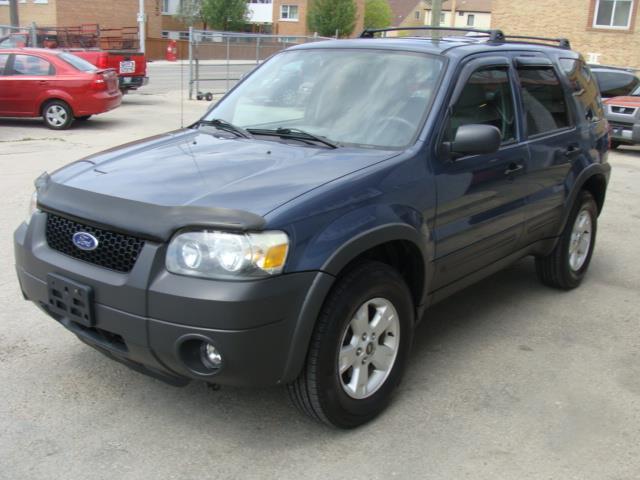 2005 Ford Escape  A.W.D. X L T  ##1728
