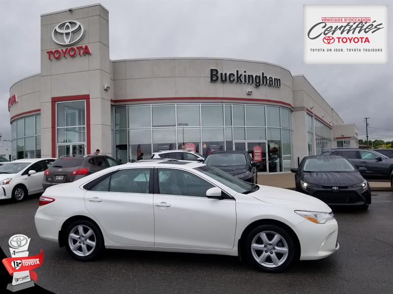 Toyota Camry 2015 XLE #20030A