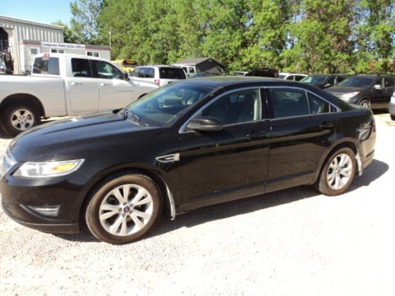 2011 Ford Taurus SEL AWD Leather interior