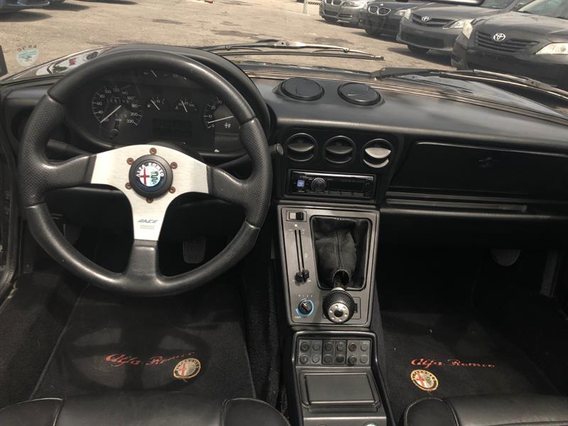 Alfa Romeo Spider 10