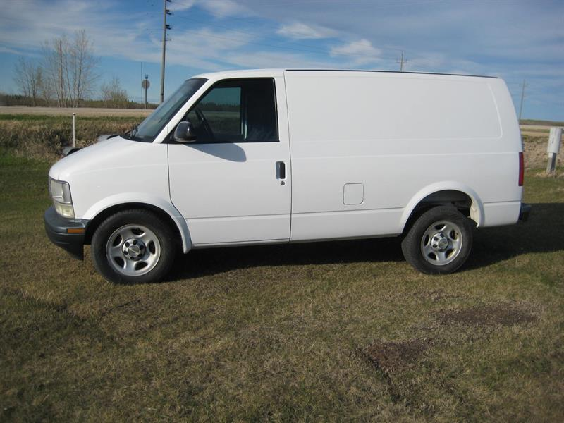 2005 Chevrolet Astro Cargo Van #CCU939