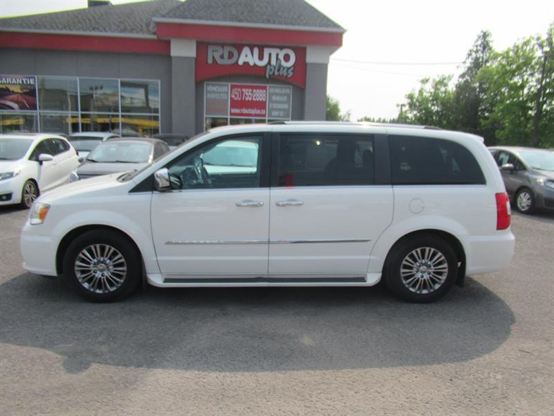Chrysler Town - Country 2011 4dr Wgn Limited #10565