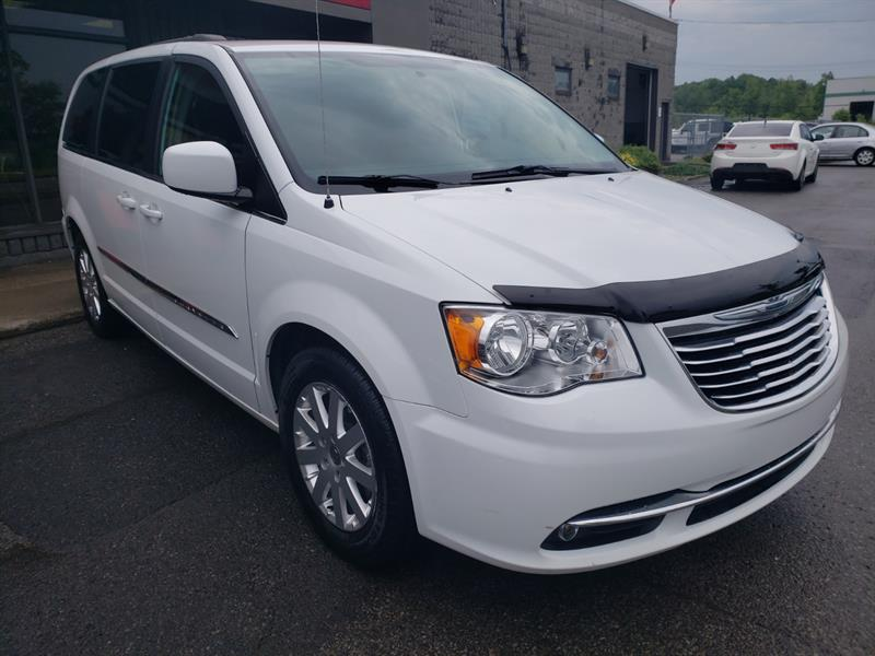 Chrysler Town - Country 2016 Touring #GR307969
