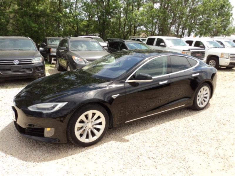 2016 Tesla Model S 90 D AWD low km