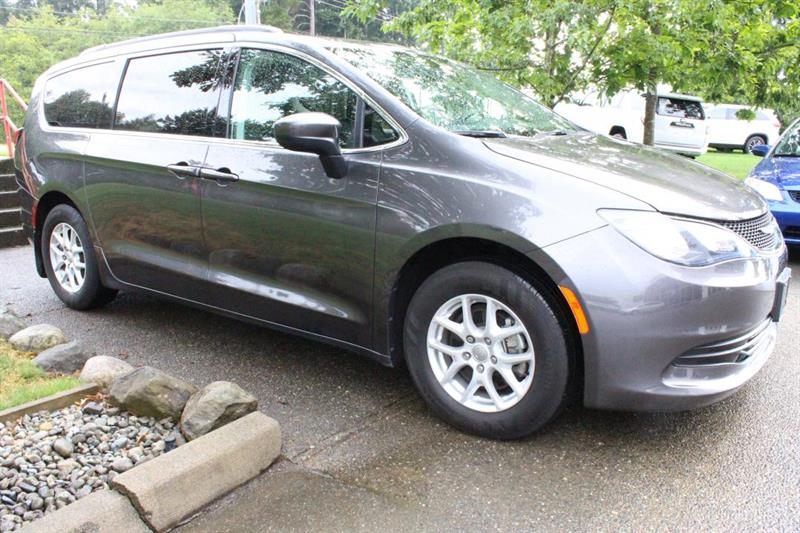 2017 Chrysler Pacifica #P2224